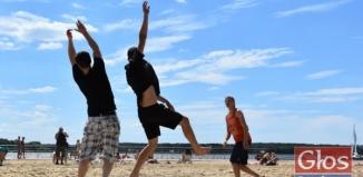 Frisbee na sławskiej plaży