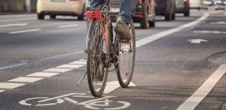 Czy rower musi ustąpić pierwszeństwa pieszemu?