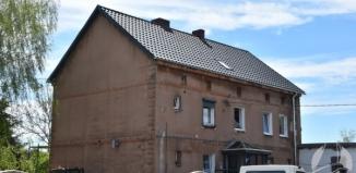 Nowy dach na budynku komunalnym