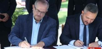 Umowa podpisana. Będzie remont drogi i chodnik