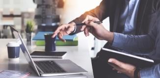 Jakie wynagrodzenie powinien otrzymać pracownik przy umowie o pracę na okres próbny?