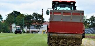 Przygotowanie boiska do sezonu