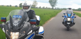 Pijany uciekałprzed policjantami na motorowerze!