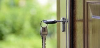 Jak kupić mieszkanie, aby nie narazić się na niespodziewane problemy?