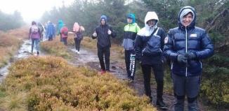 Każdy chce zdobyć swój szczyt - wyprawa trekkingowa po górach izerskich