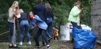 Młodzieży nieobce sączyny społeczne - Sprzątamy wschowski dworzec PKP