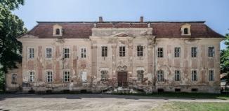 Co z pałacem w Sicinach?