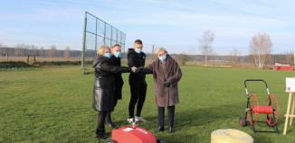 Przekazanie systemu nawadniającego dla MKS Orzeł Szlichtyngowa