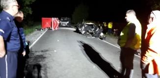 Trzy osoby nie żyją. Kierowca hondy mijał wracającego do Wschowy komendanta policji