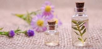 Skąd ten zapach? Co warto wiedzieć o piramidzie zapachowej...