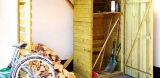 Czy na postawienie drewutni wymagane jest pozwolenie?