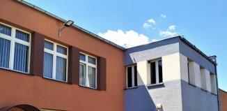 Nowa oprawa oświetleniowa na budynku Świetlicy Miejskiej w Szlichtyngowej