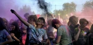 Kino na leżakach & Holi Święto Kolorów jużdziś! [ZAPOWIEDŹ]