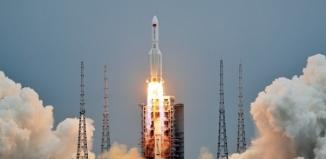 20-tonowa rakieta z Chin uderzy w Ziemię w weekend.