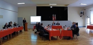 Poseł Ast o przywróceniu połączeń autobusowych na czwartkowej sesji w Szlichtyngowej