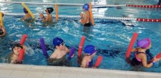 Kolejny etap nauki pływania dla dzieci zakończony